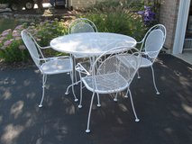 Cute Vintage Wrought Iron Patio Set in Joliet, Illinois