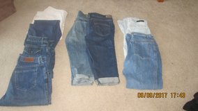 Jeans/Crop Jeans in New Lenox, Illinois