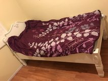 Canopy Twin Bed in Barstow, California