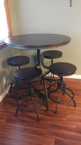 New adjustable table and 4 stools in Hopkinsville, Kentucky
