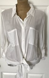 A.N.A white button down top size xl in Joliet, Illinois