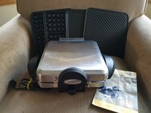 VillaWare interchangeable waffle maker/grill/griddle in St. Charles, Illinois