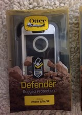 Otterbox Defender case iPhone 5/5s/5SE Gray/white in Yorkville, Illinois