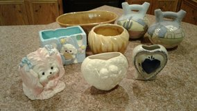 Flower vases and pottery in Leesville, Louisiana