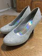 Silver Slipper High Heel Shoes Size 7.5 w in Eglin AFB, Florida