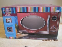 (NEW) Retro Series 0.9 cu. ft. Countertop Microwave in Red in Travis AFB, California