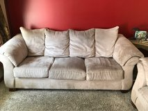 Couch 90x40 in Bartlett, Illinois