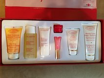 BRAND NEW! Clarins 7 Wonders Gift Set in Fort Campbell, Kentucky