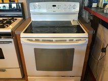 Kenmore White Smooth Top Range -  USED in Fort Lewis, Washington