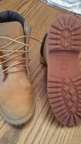 Boys/Mens Size 7 Timberlands in Macon, Georgia