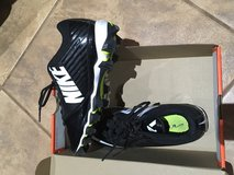 soccer shoes Worn only once size 7 in Alamogordo, New Mexico