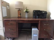 Free solid wood desk in Glendale Heights, Illinois