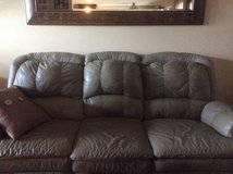 Leather couch n loveseat in Perry, Georgia