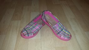 Like New!  Girls Shoes - Toms Plaid Pattern Sz 2 in Chicago, Illinois