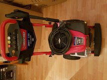 2800 Max PSI / 2.3 Max GPM Pressure Washer in Wiesbaden, GE