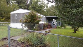 Mobile Home w/2.67 acres in Fort Campbell, Kentucky