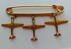 Triple Airplane Brooch Pin in Quantico, Virginia