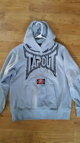 Boys XL 18/20 Tapout embroidered hoodie sweatshirt in Naperville, Illinois