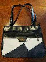 2 Purses in Pearland, Texas