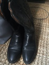 Ariat black leather boots in Joliet, Illinois