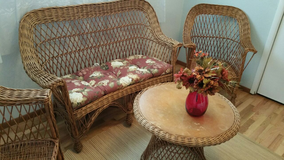 4pc Vintage Wicker Set in Tacoma, Washington