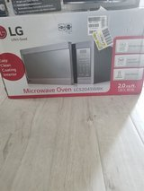 LG Microwave Oven 2.0cu in The Woodlands, Texas