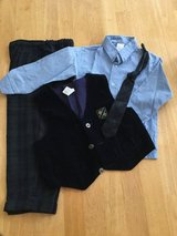 Boys 4 pc outfit in Plainfield, Illinois