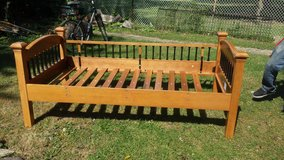 Twin day bed in Tinley Park, Illinois