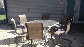 7 piece patio set in Sugar Grove, Illinois