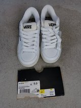 nwt vans shoes-size 5 in Wilmington, North Carolina