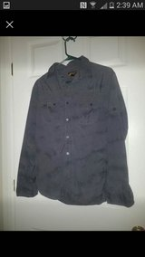 Mens size small long sleeved shirts in Quantico, Virginia