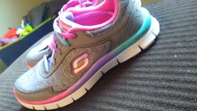 Girls Sketchers Memory Foam shoes in Ottumwa, Iowa