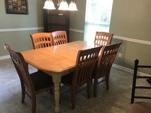 Dining Table in Pleasant View, Tennessee