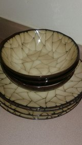 4 Dinner Plates and 4 Matching Bowls in Las Vegas, Nevada
