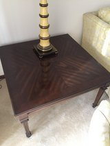 Ethan Allen lamp table/end table. Excellent condition. Pet free, smoke free home. in Tinley Park, Illinois