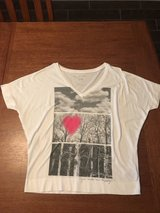 Women's large Aeropostale shirt in Byron, Georgia
