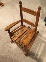 Kid/toddler rocking chair perfect condition in Batavia, Illinois