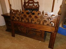 Solid Oak Queen Bedroom Set - 5 piece in Clarksville, Tennessee
