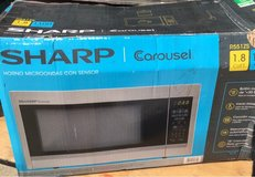 Sharp 1.8 cu ft Microwave in Bellaire, Texas
