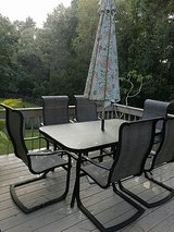 Patio table & 6 chairs in Camp Lejeune, North Carolina