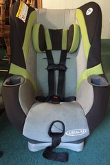 gray black green Graco infant toddler car seat 5-65 lbs in Beaufort, South Carolina
