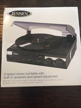 Jensen 3 speed turntable record player convert to MP3s iPod built in speakers in Fort Campbell, Kentucky