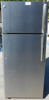 18 CU. FT. GE REFRIGERATOR-STAINLESS STEEL WITH WARRANTY (FINANCING) in Oceanside, California