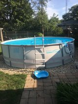16ft summer waves pool in St. Charles, Illinois