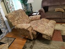 Matching Lazy Boy recliners in Pearland, Texas