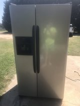 Kenmore black and stainless steel refrigerator in Warner Robins, Georgia