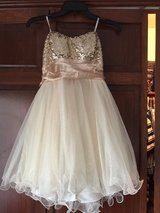 Homecoming dress size 7 in Elgin, Illinois