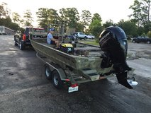Bow Fishing Boat Tracker Grizzly in Kingwood, Texas
