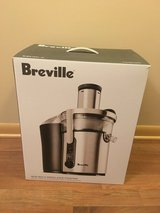 Breville BJE510XL Juice Fountain Multi-Speed 900-Watt Juicer (Old Model - Discontinued) in Orland Park, Illinois