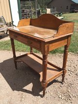 Antique Writing Desk in Alamogordo, New Mexico